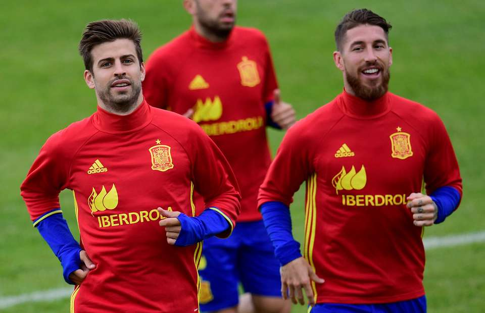 Gerard Pique - Sergio Ramos - Spain - تیم ملی اسپانیا - اسپانیا - بارسلونا - کاتالونیا