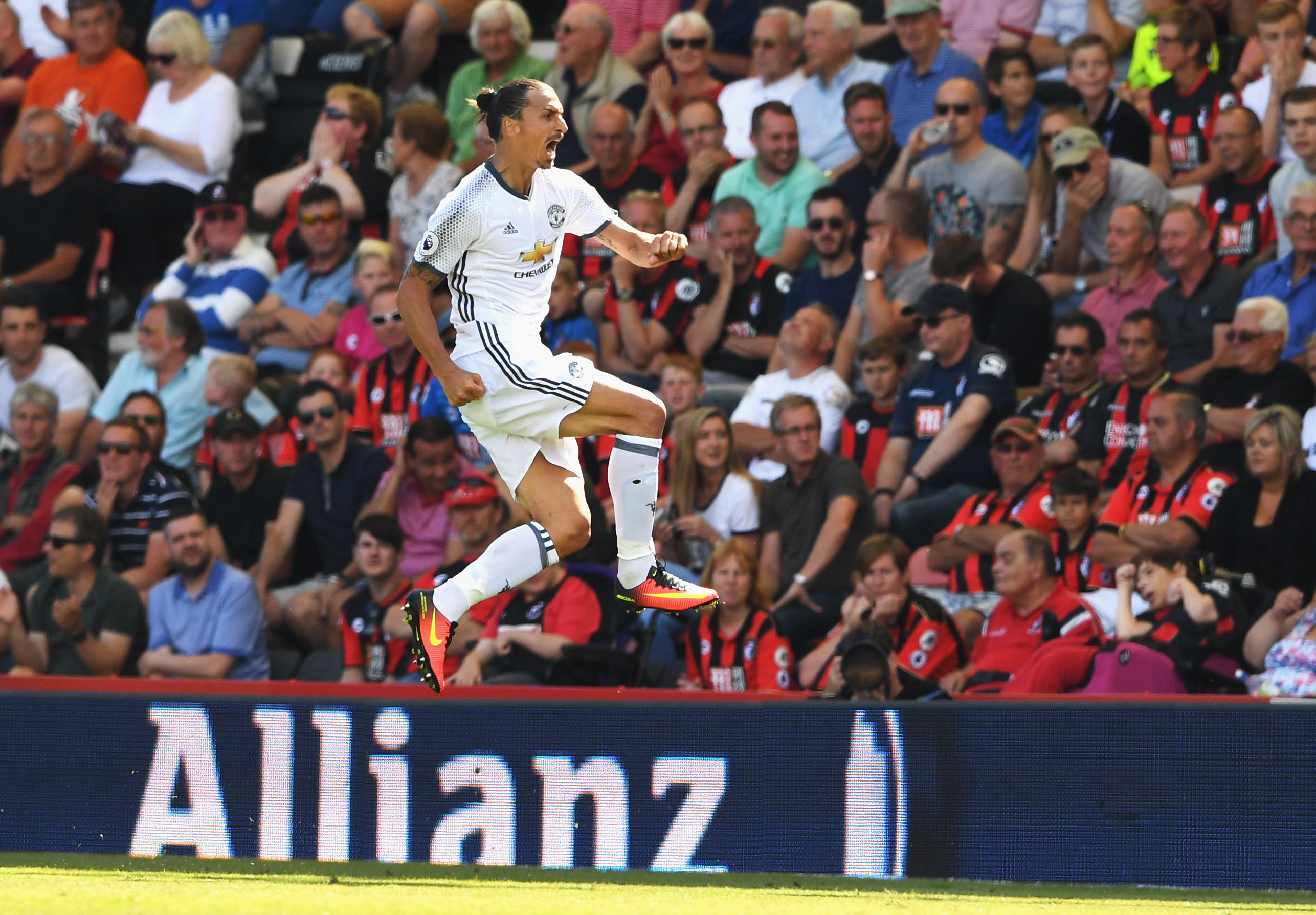 بورنموث 1-3 منچستریونایتد؛ اولین پیروزی لیگ برتریِ مورینیو با شیاطین سرخ و درخشش زلاتان
