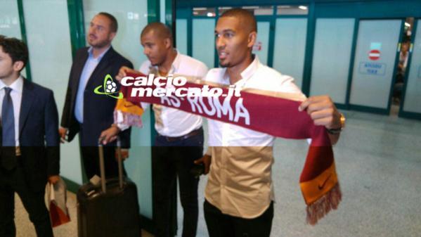 ستاره دینامو مسکو، برای امضای قرارداد با رم وارد پایتخت شد (عکس)