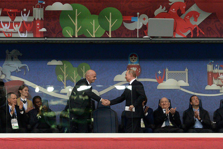 مراسم افتتاحیه جام کنفدراسیون ها 2017-رئیس فیفا-رئیس جمهور روسیه
